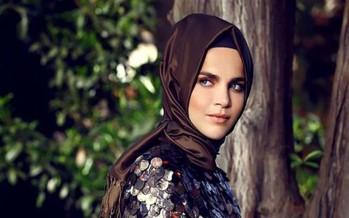 ملكة جمال تركيا تسأل مشايخ الإسلام سؤالاً غريباً