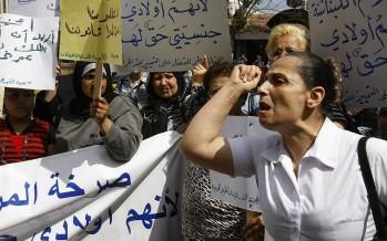 الأم اللبنانية مسلوب حقّها الدستوري في بلدها