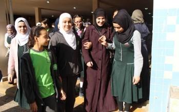 تحدّت الصعوبات للحصول على الماجستير.. قصة كفيفة تؤثر في نفوس طالبات الإيمان