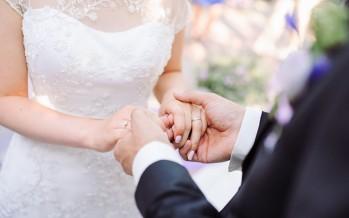 بالفيديو - في لبنان.. حفل زفاف يتحول الى حلبة مصارعة، والحصيلة حوالي 30 جريحاً!