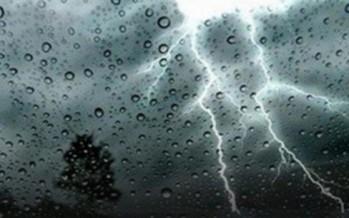 تشرين الثاني يطلّ بالعواصف: أمطار ورياح وثلوج!