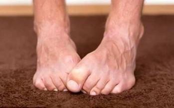 هذا ما تخبره قدماك عن صحتك