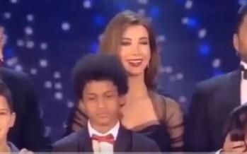 هكذا سرّب تامر حسني اسم الفائز بـ the Voice kids قبل اعلانه!