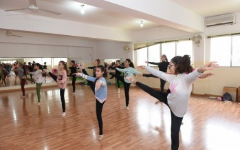 معرض وعروضات ورقصات فنية في مركز السكال صيدا بمناسبة الميلاد