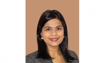 د. ماريا موساجي، استشارية طب العيون في مستشفى مورفيلدز للعيون بلندن