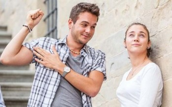 أسباب وراء هوس الفتيات بالشباب السيئين