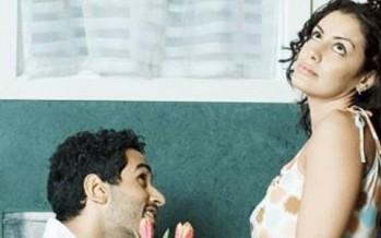 4 أسبابٍ تجعل زوجكِ لا يعتذر منكِ!