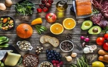 واظِبوا على تناول الخضار والفواكه والمكسرات للحفاظ على صحة الكبد