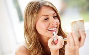 احذري من مستحضرات التجميل لأنها قد تعبث بهرموناتك!