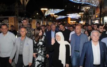 بدعوة من النائب الحريري والسعودي وتزامنا مع بدء فتح الأسواق ليلاً الوزيرة الصفدي والفنان علامة وعنتر جالوا في صيدا ضمن فعاليات المدينة الرمضانية