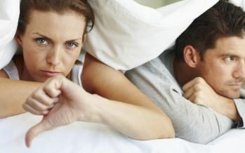 10 أشياء تشير إلى برودة مشاعرك تجاه الشريك