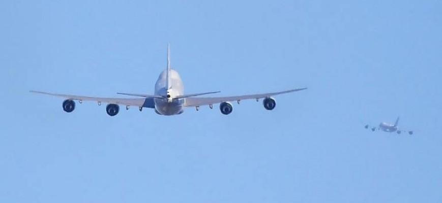 طائرة مدنية تنقذ باخرة تائهة