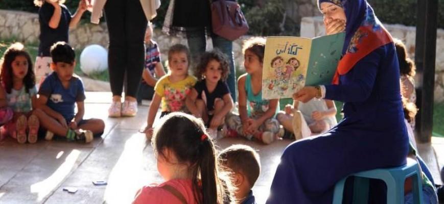 يلعب الأطفال في مركز المودة بشكل حر (علي نورالدين)