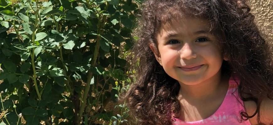 ألين طفلة الأربع سنوات في مواجهة سرطان