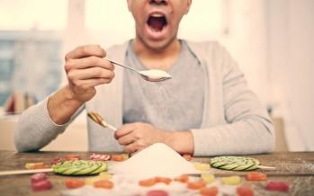 ماذا يحدث لك عند التوقف عن تناول السكر؟