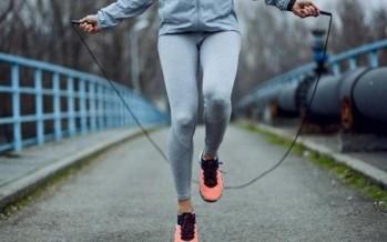 فوائد صحّية تدفعك إلى ممارسة تمرين القفز بالحبل