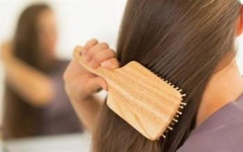 نقص فيتامين D يؤدّي إلى تساقط وترقق الشعر