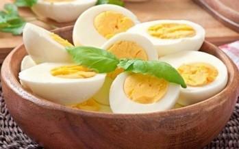 تناول البيض المسلوق يؤدّي إلى السكتة الدماغية