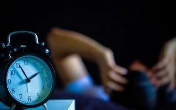 أسباب الإستيقاظ في نفس الوقت خلال الليل!