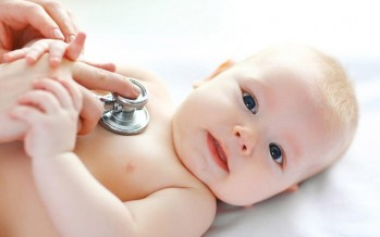 أسباب سرعة ضربات قلب الرضيع