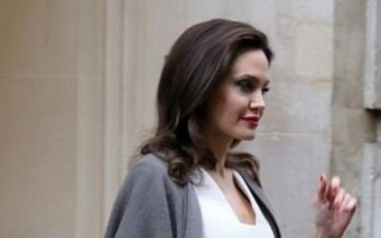 أنجلينا جولي تتألق في قصر الإليزيه