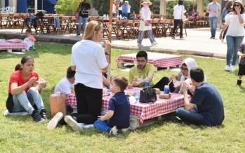 بالصور: يوم ترفيهي بعنوان Lets Picnic لطلاب ثانوية رفيق الحريري وعائلاتهم