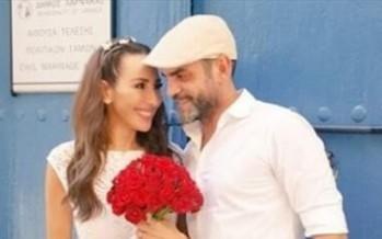 بأزهار حمراء... ورد الخال تحتفل بالذكرى الخامسة على زواجها: