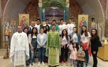 طلاب الإنجيلية في صيدا يشاركون الطوائف المسيحية بعيد الشعانين