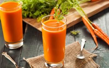ماذا يحدث لجسمك عند شرب العصير يوميا؟