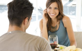 أول 9 أشياء تجذب انتباه الرجال في النساء 