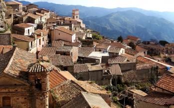 قرى إيطالية خلابة.. تدفع 33 ألف دولار مقابل العيش فيها