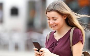 العلماء يجدون أن إدمان الهاتف الذكي يغير كيمياء الدماغ