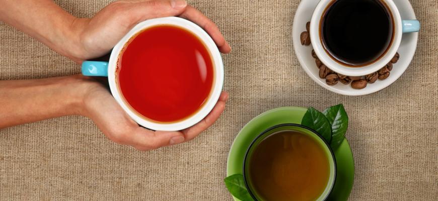 القهوة أم الشاي الأسود أم الشاي الأخضر.. ما الأفضل لصحتك؟