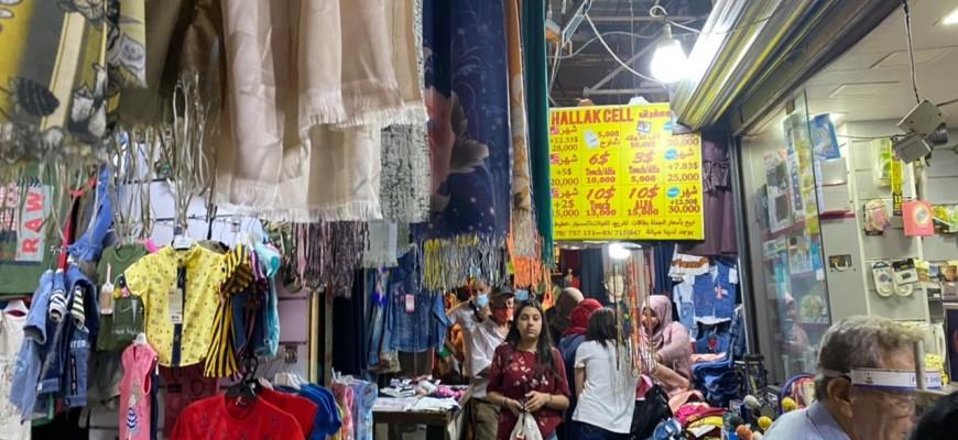 السوق الشعبي في صيدا القديمة ملاذ المواطن المخنوق عشية «الفطر»
