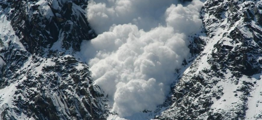 ذهب إلى جبال الألب للتزلّج فتوُفي في انهيار جليدي